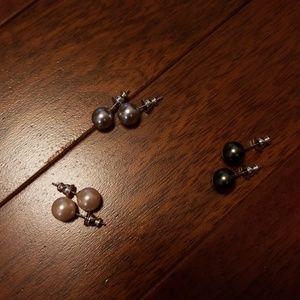 Jewelry - Pearl earrings